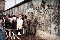 Caída del muro de Berlín, foto: Superikonoskop, Wikimedia CC BY-SA 3.0