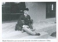 Генрих Куденхове-Калерги на ступенях посольства Австро-Венгрии в Токио, Фото: из книги Mitsuko, издательство Jota