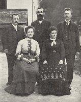 Daniel Swarowski (hinten rechts) mit Familie (Foto: Archiv des Glasmuseums Jablonec nad Nisou)