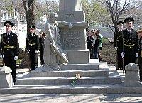 Vladivostocké pietní místo po opravě hrobů icentrálního pomníku, Rusko,  foto: Ministerstvo obrany ČR
