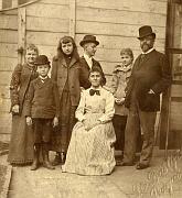 Antonín Dvořák with his family, J. J. Kovařík in the center, photo: Antonín Dvořák Museum