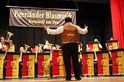 Dirigieren - dirigovat (Foto: Archiv der Egerländer Blasmusik)