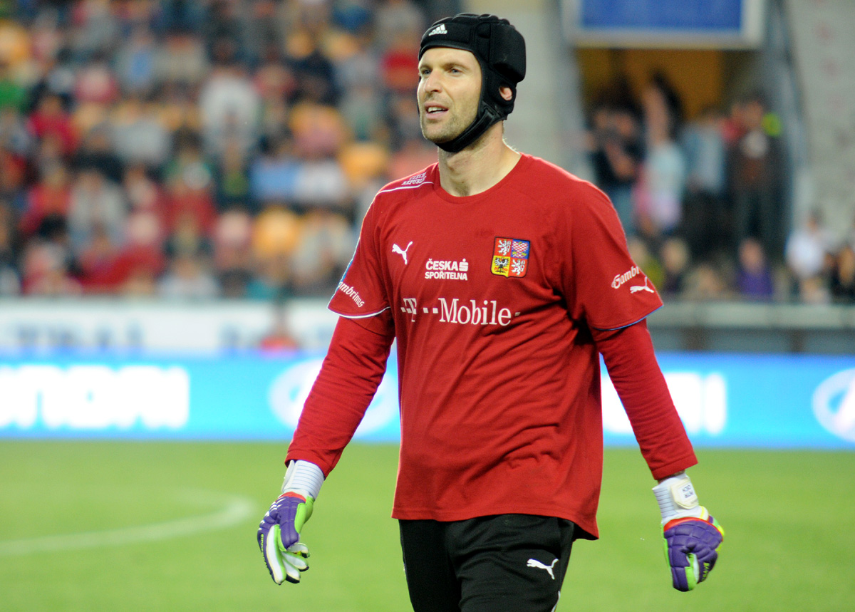Fifty stitches and cosmetic surgery for goalkeeper Čech ...