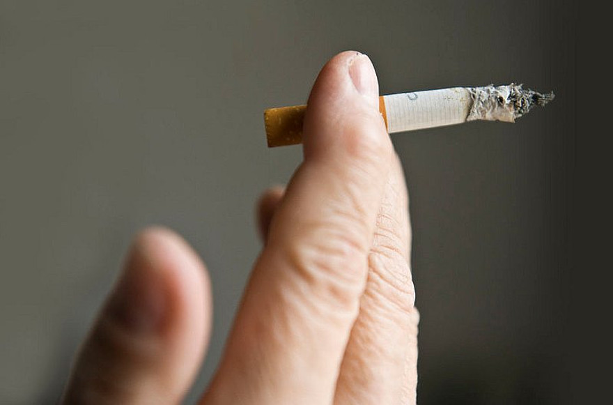 cigarette smoking should be permanently banned Smoking poll: should cigarettes be permanently banned should doctors lobby the government for a permanent ban on cigarettes for people born after the year 2000.