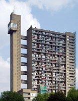 Brutalismus in London (Foto: stevecadman, CC BY-SA 2.0)