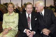Dagmar Havlova, Vaclav Havel und Richard von Weizsäcker (Foto: CTK)