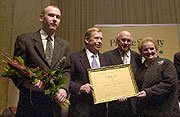 Mr Havel received the Hanno R. Ellenbogen award for his contribution to democracy in Central Europe and decided to pass on the financial part of the award to Andrej Dynko (left), photo: CTK