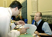 Ministros Vladimír Mlynár y Bohuslav Sobotka, foto: CTK