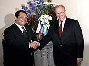 Jiri Paroubek and Swedish Prime Minister Goran Persson, photo: CTK
