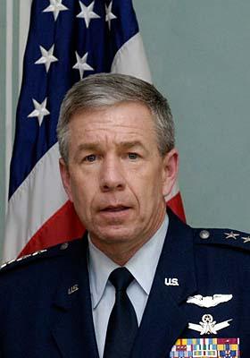 Henry Obering, jefe de la Agencia para la defensa Antimisil de EE.UU. (Foto: CTK)