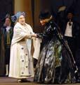 Vlasta Chramostová (vlevo) aJana Preissová vroli kněžny Zaháňské, foto: ČTK