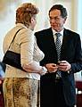 Jana Juřenčaková conversando con jan Švejnar (Foto: CTK)