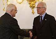 Klaus Václav und Hans-Gert Pöttering (Foto: ČTK)