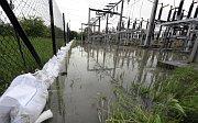 Hochwasser bedroht das Umspannwerk in Bohumín (Foto: ČTK)