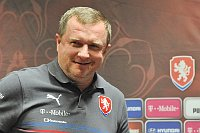 Pavel Vrba sonríe en vista de los excelentes resultados checos. Foto: ČTK