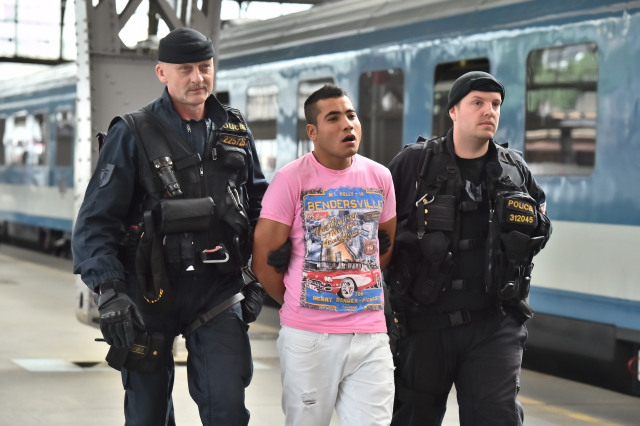 czech police intensify checks on illegal migrants radio