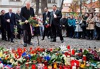 Bohuslav Sobotka and Miloš Zeman lay flowers outside the French embassy in Prague, photo: CTK