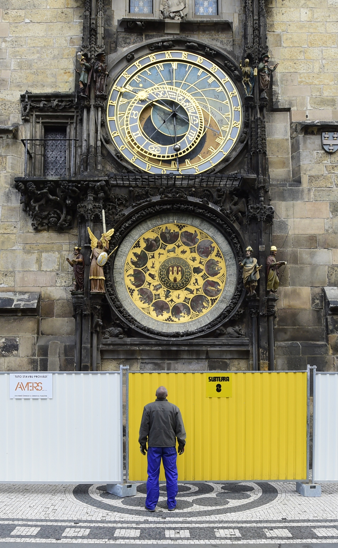 Diplomacy >> Prague's famous astronomical clock to undergo major repair work | Radio Prague