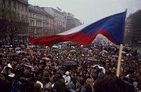 El noviembre de 1989 en Praga, foto: ISIFA / Camera Press / Benoit Gysembergh
