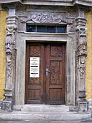 Trachyt-Portal (Foto: Autorin)