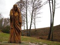 Dřevěná socha Polednice