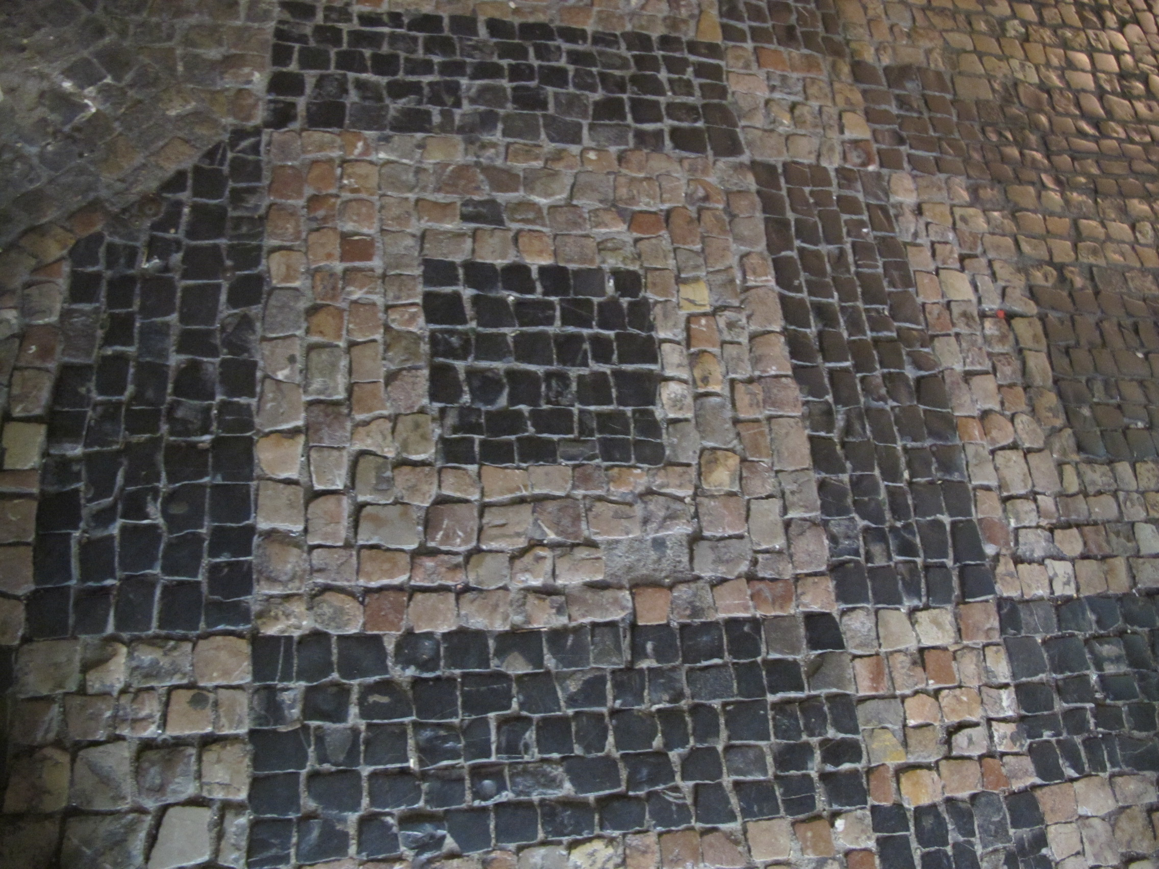 Parts of Jewish tombstones to gradually disappear from Prague's cobbled streets | Radio Prague International