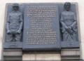 La placa conmemorativa en la iglesia de San Cirilo y San Metodio, en Praga