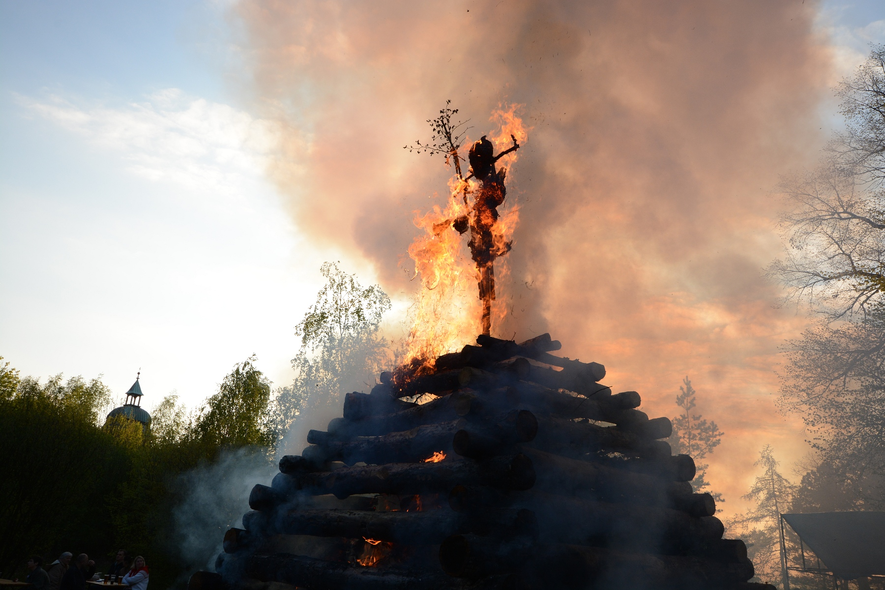Czechs mark witch-burning night around country   Radio Prague