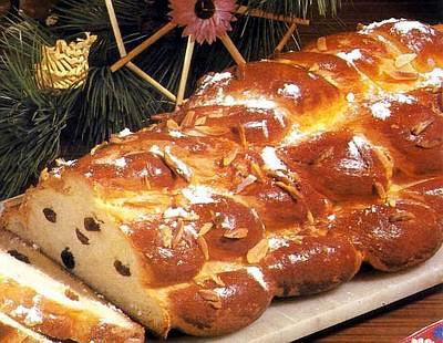 Vanocka: Czech Christmas bread done right | Radio Prague