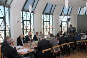 Pressekonferenz zur DTIHK-Konjunkturumfrage 2017 (Foto: Jan Sommerfeld, Archiv DTIHK)