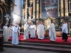 Během mše v kostele Panny Marie Sněžné byla předána část ostatků Oldřicha z Pordenone, foto: Zdeňka Kuchyňová