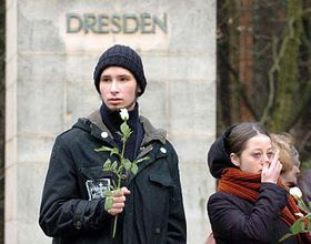 Carrying the white rose of reconcilliation Photo: CTK