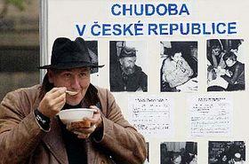 Z pražského happeningu kMezinárodnímu dni za vymýcení chudoby, foto: ČTK