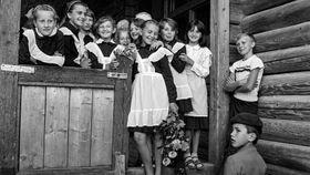 Karel Cudlín fotil často ina Ukrajině (snímek zachycuje první školní den), foto: Karel Cudlín