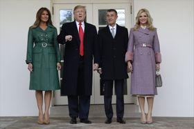 Donald Trump y Andrej Babiš y sus esposas Melanie y Monika, foto: ČTK/AP/Evan Vucci