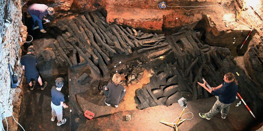 Pozůstatky středověké hradby v Břeclavi, foto: ČTK / Igor Zehl