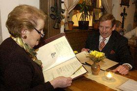 Madeleine Albright con Vaclav Havel en Praga, foto: CTK