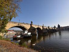 Puente de Carlos en Praga, foto: Ondřej Tomšů