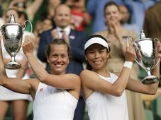 Barbora Strýcová et Hsieh Su-wei, photo: ČTK/AP Photo/Tim Ireland