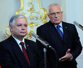 Václav Klaus con su homólogo polaco,  Lech Kaczynski (Foto: CTK)