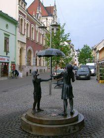 Dílo Radost zdeště od Ley Vivot oživilo Hlavní třídu vŠumperku, foto: Miloš Miličevič, Wikimedia Commons, CC0