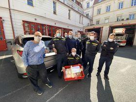 Zdeněk Pohlreich (ganz links). Foto: Archiv des Feuerwehr-Rettungskorps der Hauptstadt Prag