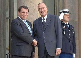 Primer ministro checo, Jirí Paroubek con el presidente francés, Jacques Chirac (Foto: CTK)