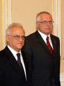 Presidente de Malta, Edward Fenech-Adami y presidente checo, Václav Klaus (Foto: CTK)