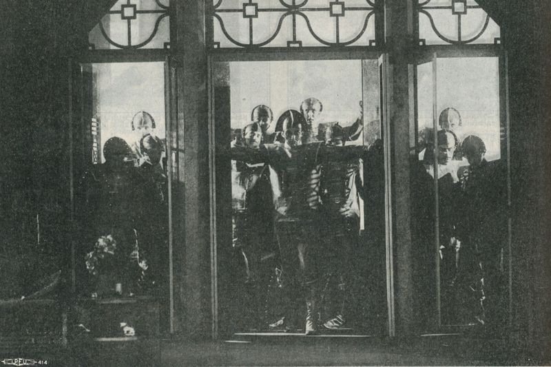 """Театральная постановка пьесы """"R.U.R."""" 1929 года, фото: Tobias Higbie, Flickr, CC BY-NC-SA 2.0"""