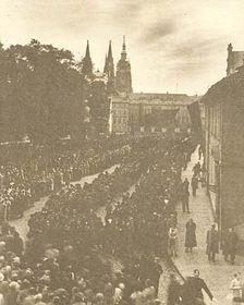 Die Prager Burg, das Masaryks Begräbnis