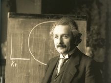 Albert Einstein, photo: Ferdinand Schmutzer, public domain