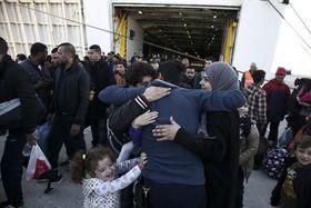Беженцы, прибывшие в Грецию. Архивное фото: ЧТК