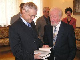 Vladimír Špidla apřekladatel Jean Grosu (vpravo)
