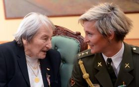 Dana Zátopková et Barbora Špotáková, photo: CTK